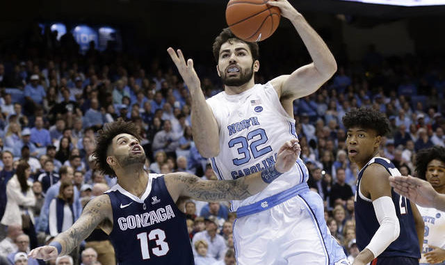 Hot offense guides North Carolina past No. 4 Gonzaga