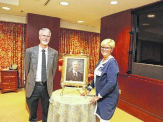 Southeastern Health unveils Dr. Matthew Thompson's portrait
