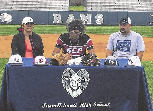 Purnell Swett pair signs to play college baseball