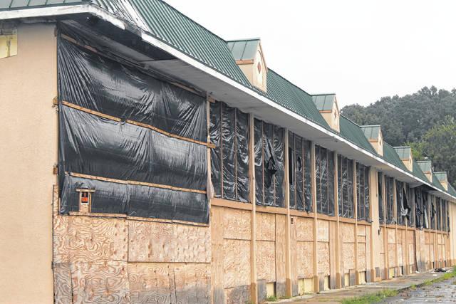Le conseil municipal fait un pas vers le démantèlement de l'auberge Ramada abandonnée