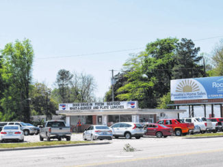 Dixie Drive-In reopens and customers by the carloads fill the culinary icon's parking lot