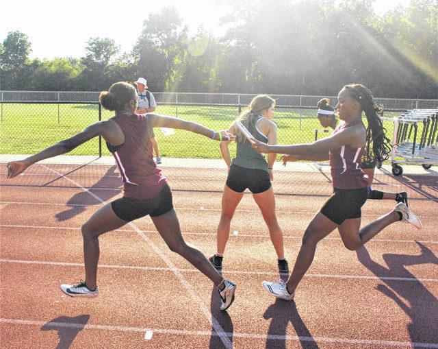 Lumberton 4×100 relay team wins regional heat, advances to state