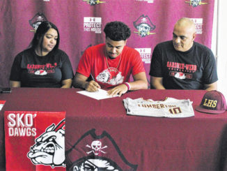 Lumberton's Scott signs with Gardner-Webb baseball